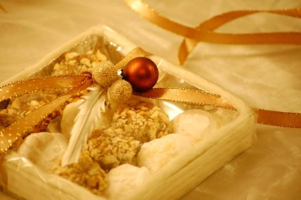 Tryffel i presentask gjord av kartong folie och lovikkagarn