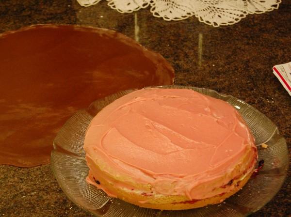 Smörkräm med svartvinbärsjuice