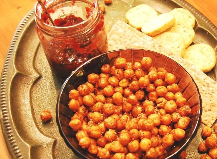 Nyttiga snacks torkade kikärter